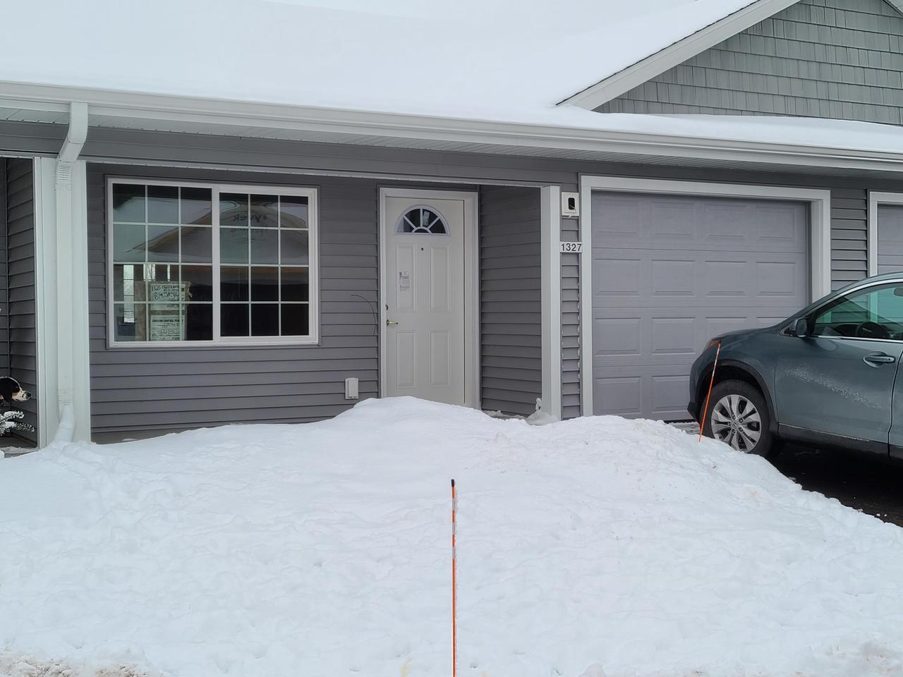 New Construction Senior Side by Side Condos.  2 bedroom, 2 bathroom, 1 car garage.  No steps, wide doorways, covered porch.  $197,900 includes basement plus you can add options and choose finish colors, tops and cabinets/trim.  2-3 month occupancy