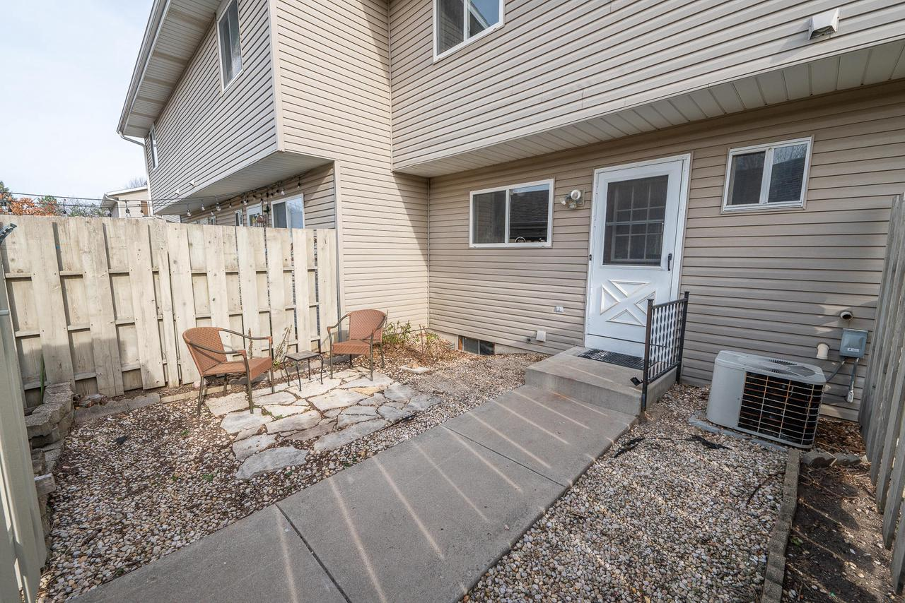 Rare 3 bedroom condo with 3 bathrooms and a full private basement.  Fresh and clean this is a move in condo with new flooring paint and update kitchen and baths.