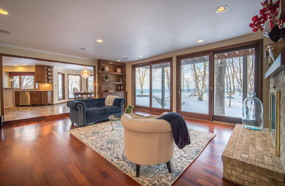 11266 N Lakeview Pl PLACE, MEQUON, WI 53092