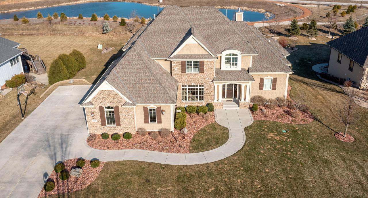 7358 S Stone Hedge Dr DRIVE, FRANKLIN, WI 53132