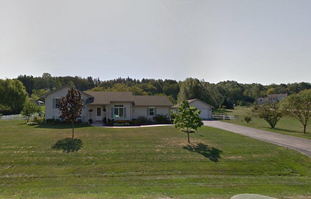 106 Oakwood Ln LANE, NORTH PRAIRIE, WI 53153