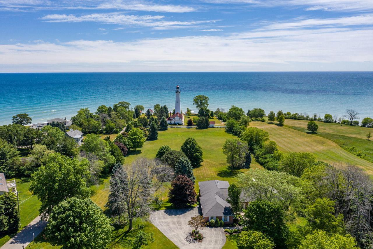 4707 Lighthouse Dr DRIVE, WIND POINT, WI 53402