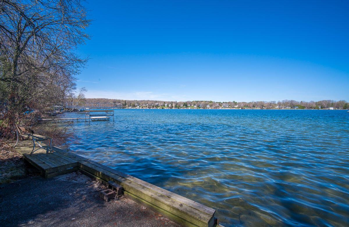 3789 Thoma Park Dr DRIVE, WEST BEND, WI 53095