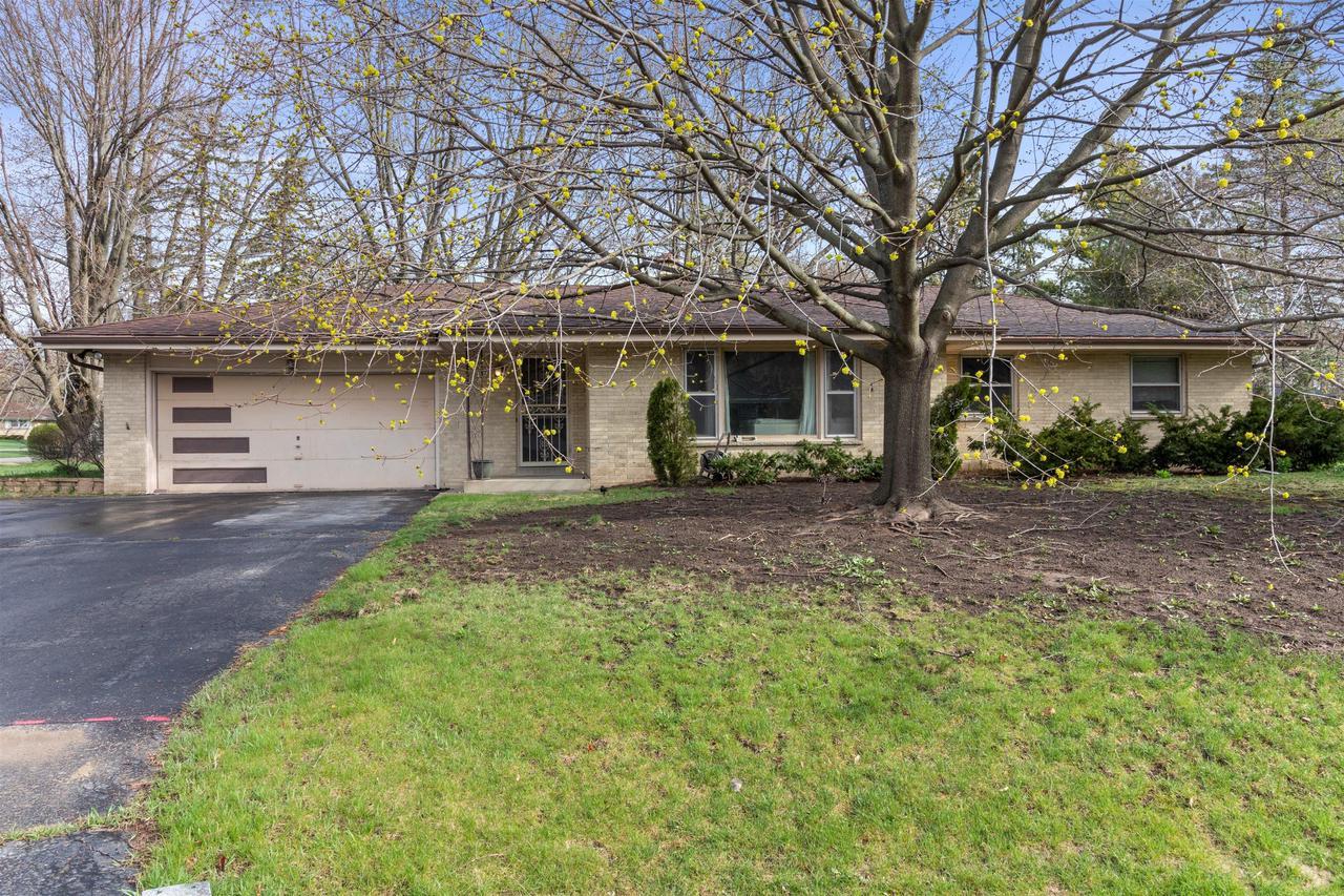 6454 W Glenbrook Rd ROAD, BROWN DEER, WI 53223