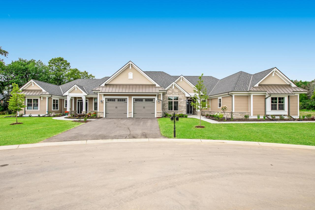 5951 W Woods Ct COURT 1B, MEQUON, WI 53092