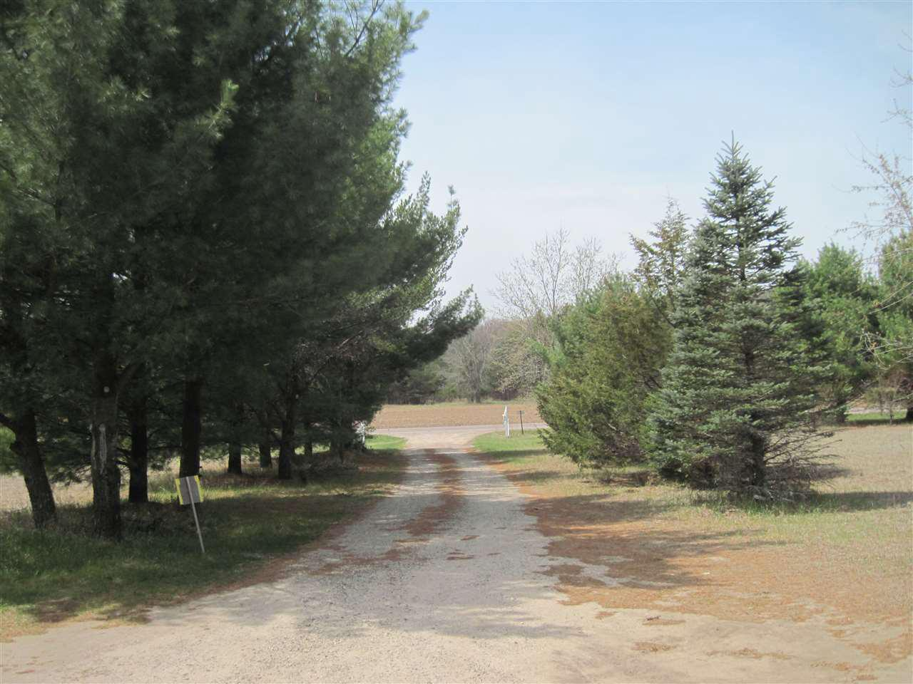 2970 County Road B, NEW CHESTER, WI 53936