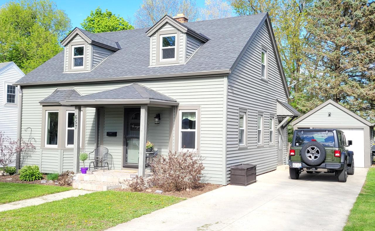 657 S 2nd Ave AVENUE, WEST BEND, WI 53095