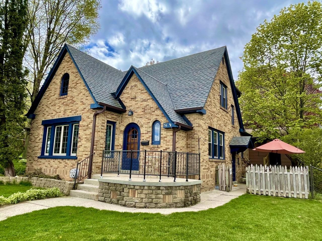 716 S 6th Ave AVENUE, WEST BEND, WI 53095
