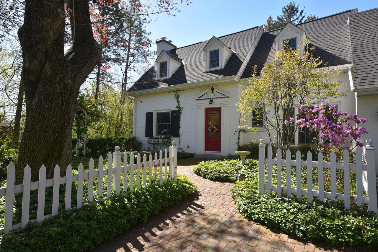 113 W Mequon Rd ROAD, MEQUON, WI 53092