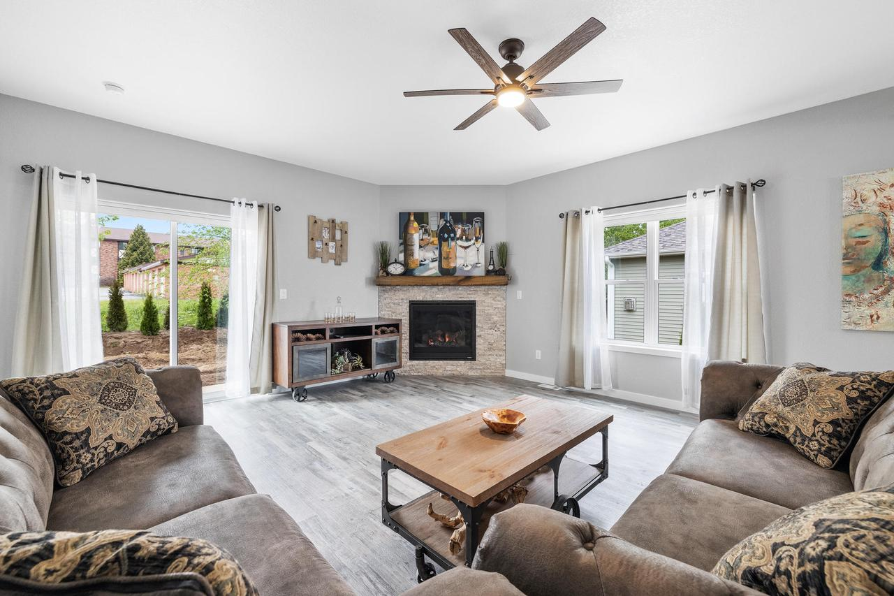 1340 Daisy Dr DRIVE, WEST BEND, WI 53090