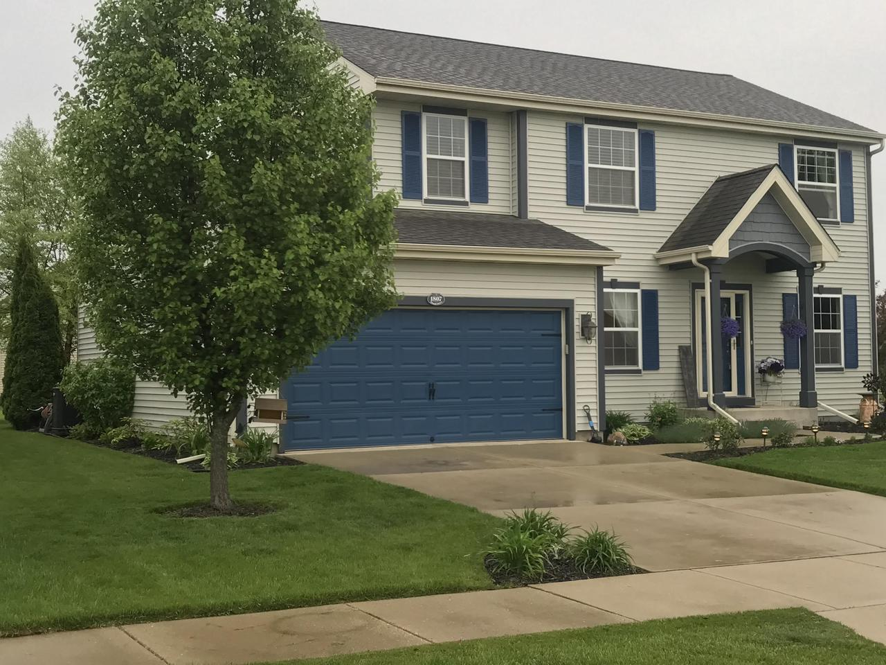 1807 Pintail Dr DRIVE, WEST BEND, WI 53095
