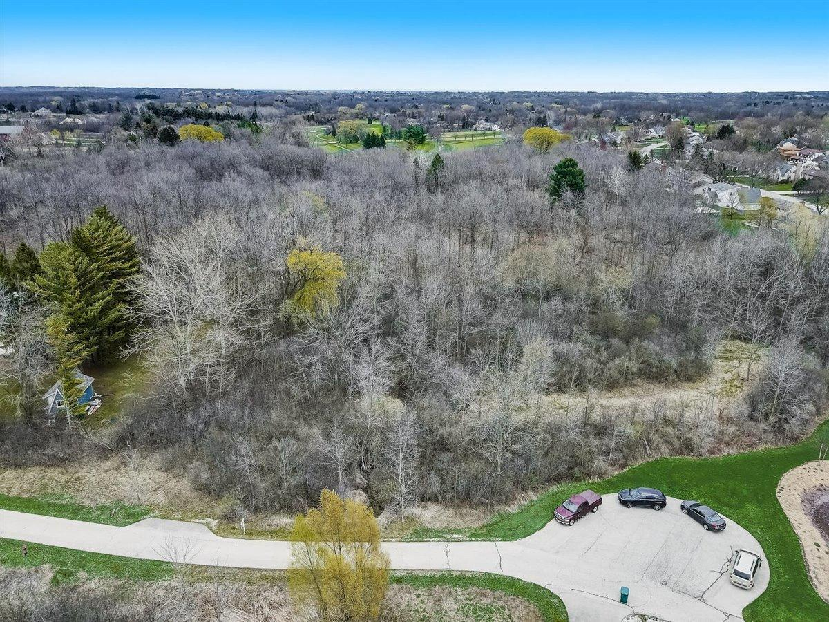 12654 N Rotary Park Ct 41W Lt4, MEQUON, WI 53097