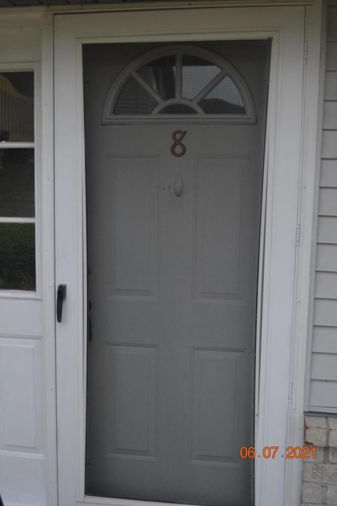 9354 W Loomis Rd ROAD 8, FRANKLIN, WI 53132