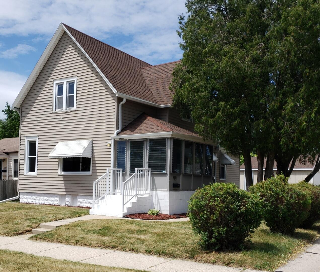 1208 Manistique Ave AVENUE, SOUTH MILWAUKEE, WI 53172