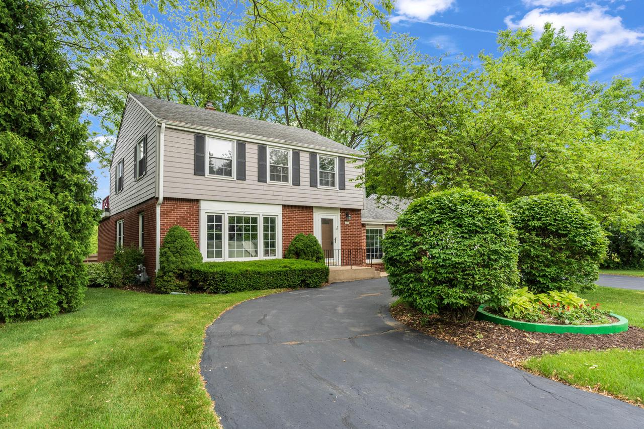 7005 N Lombardy Ct COURT, FOX POINT, WI 53217
